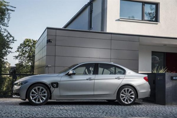 BMW 330 e hybride rechargeable